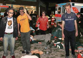 37 Record-Store Clerks Feared Dead In Yo La Tengo Concert Disaster