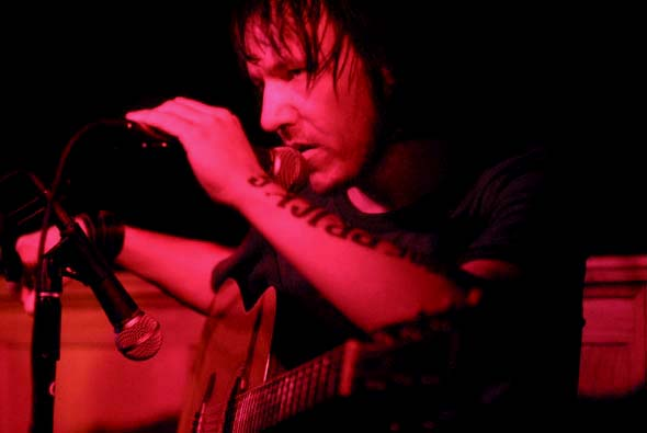 Five From the Archive: Elliott Smith in 2003
